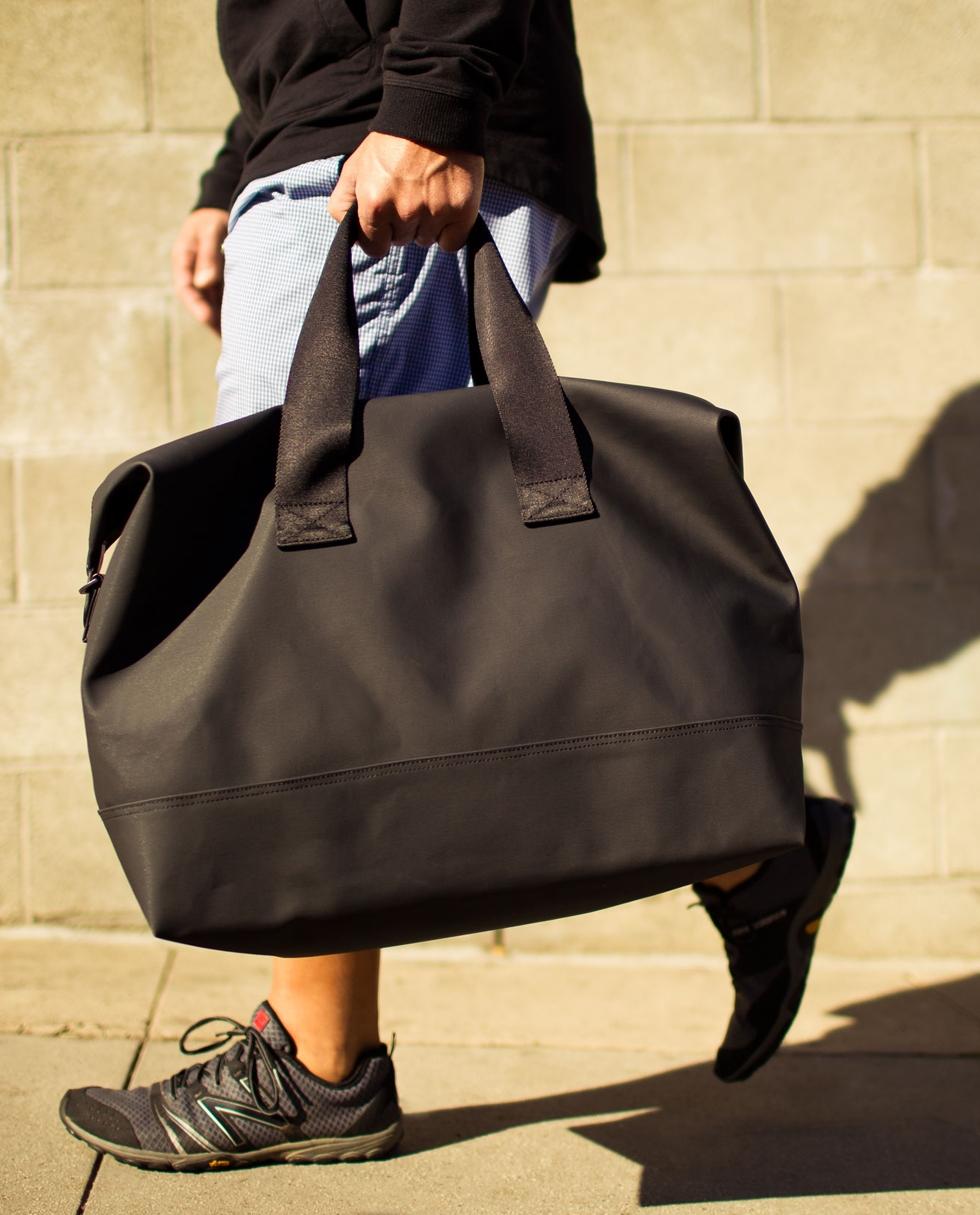 Barang yang sebaiknya dibawa di tas olahraga
